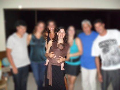 Eu e Ben com meus cinco irmãos e meu pai. E o sling.